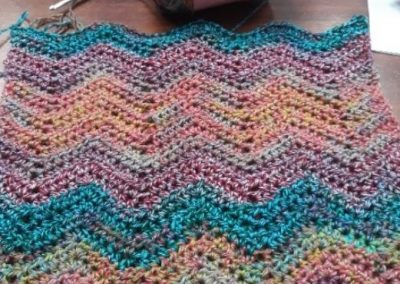 Chevron Cowl – Pattern by Yarning Place