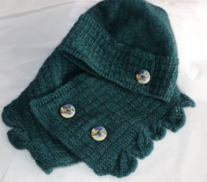 Amuri cowl and hat
